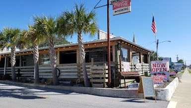 Moe's Original Bar B Que Now in Destin