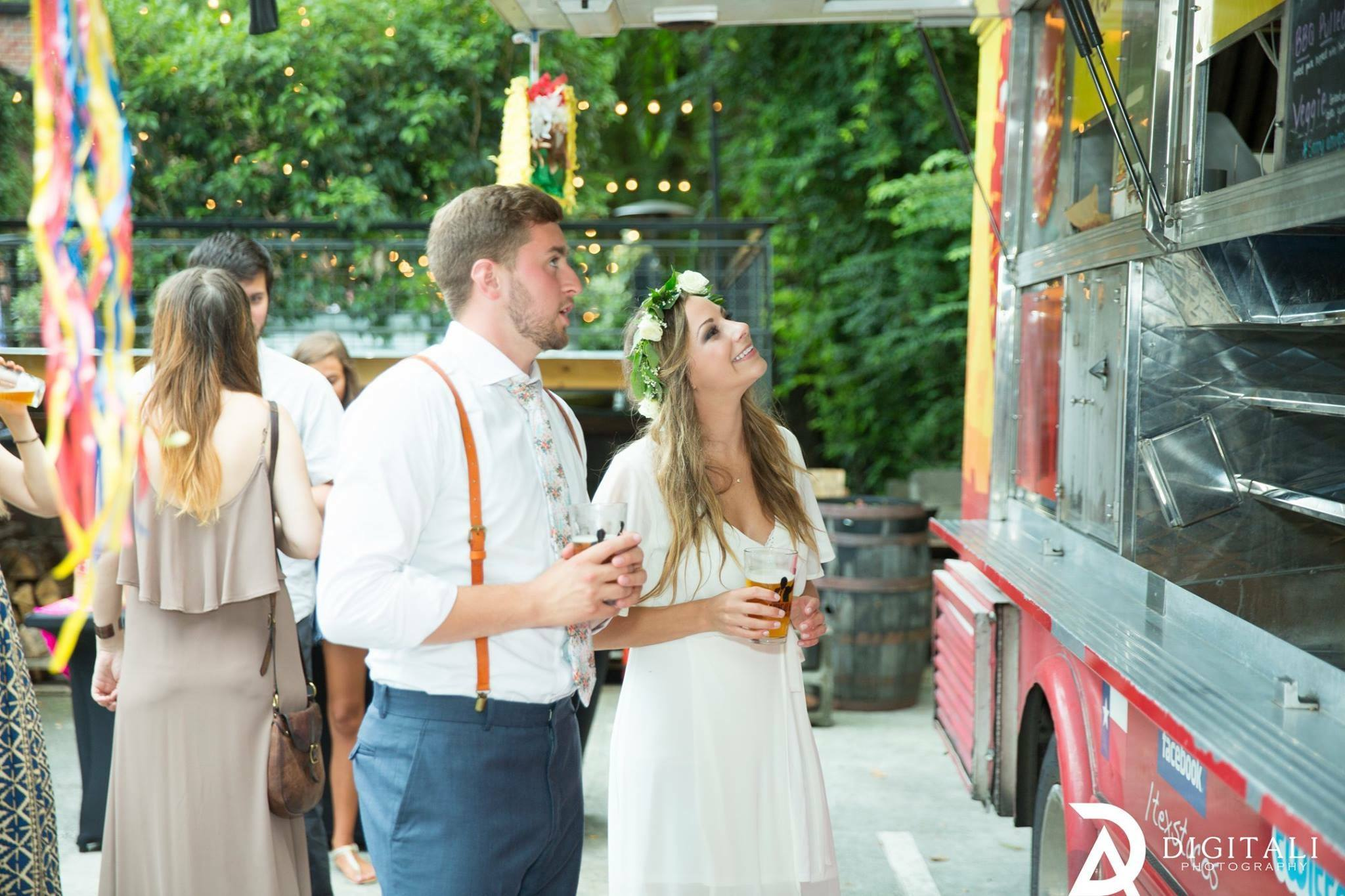 Reasons Why You Should Consider a Local Food Truck and Decoration From The Bridal Shop Milton eynes